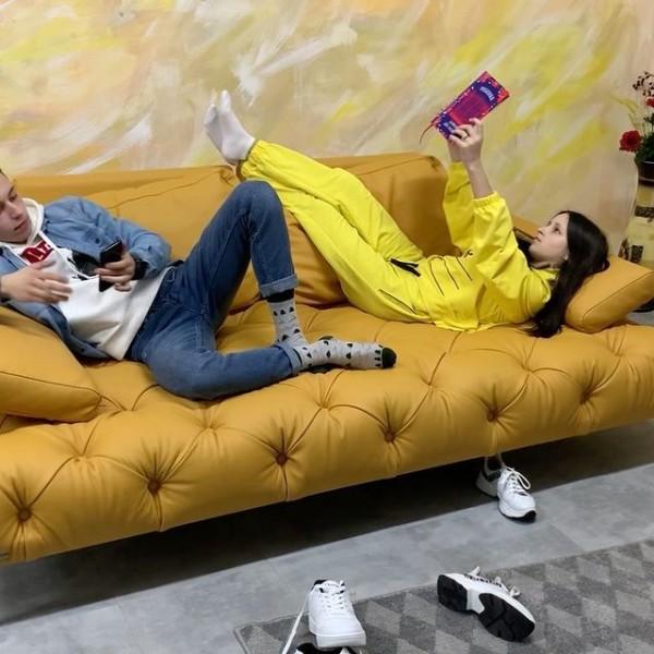 диван для підлітків,диван розкладний,купити шкіряний диван для підлітка,купити зручний диван для дитини.
